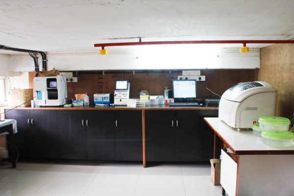 http://deoyanihospital.com/wp-content/uploads/2017/11/17.Pathology-Lab-600x400-1-600x400.jpg